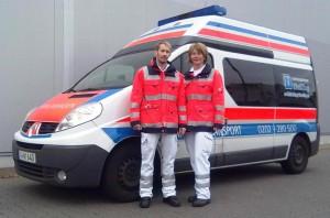 KTW mit Rettungsanitätern
